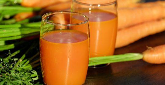 فوائد الجزر كثيرة لكن احذروا أن يصبح لونكم برتقالي !!!!!