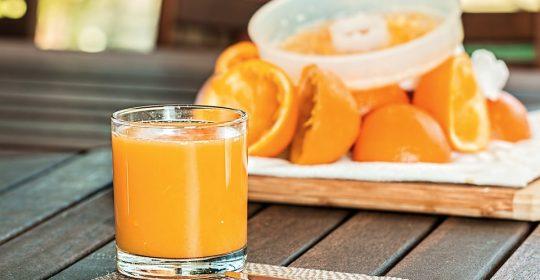 عصير البرتقال…أفضل هدية لأطفال وقت العصرونية وفي الشتاء ….همسات مع دوسات