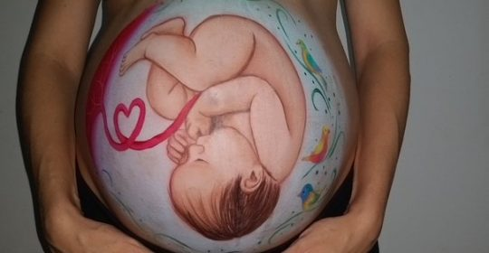 الصوم والحمل مع دوسات تجيب عن التساؤلات بشكل صحي ومقنع