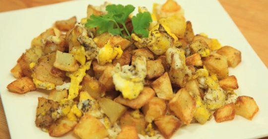 طبق البطاطا مع بيض (الزقلمية .مبعثرة .مفرقة بطاطا )