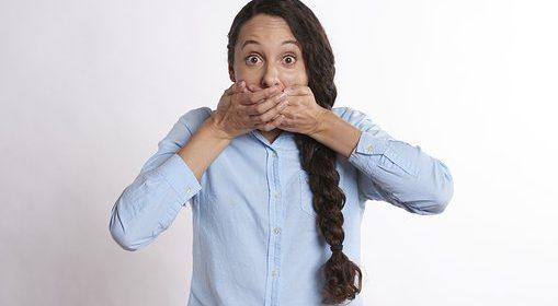 رائحة الفم والرائحة الكريهة المنبعثة من الفم يُعتبر إحدى المشكلات الأساسية التي تُزعج الكثيرين .