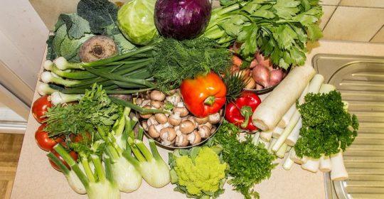 الإمساك مشكلة صحية تؤدي للسمنة المسبب الأكبر لها سوء التغذية