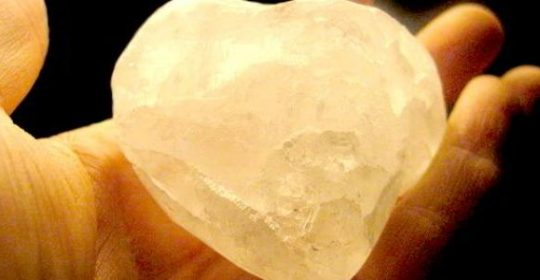 أقراص الشبة صديقة الجلد والبشرة الأحجار الكريستالية