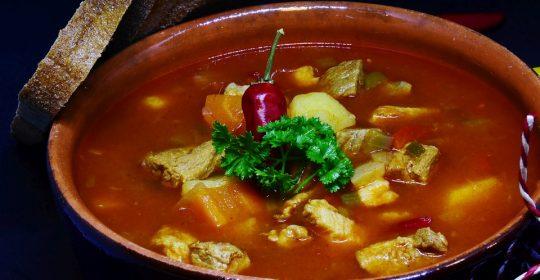 الحساء طبق الشتاء الأبرز والحساء الأحمر خيار دوسات الرشيق