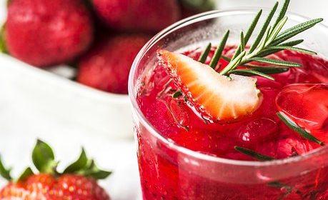 مشروب الفراولة الحارق للدهون على طريقة دوسات