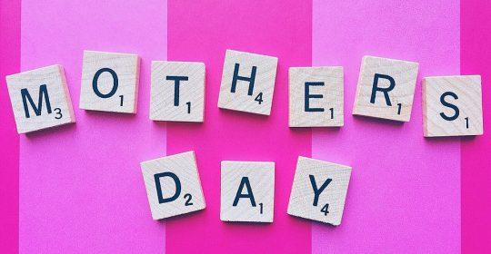 يوم الأم مناسبة تستحق الاحتفال و مع دوسات التغذية الأساسية هي الأساس