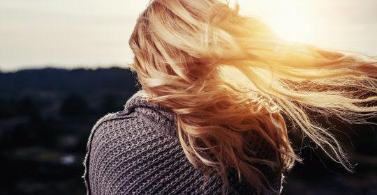العناية بالشعر  بالصيف أمور يجب مراعاتها لشعر  جميل
